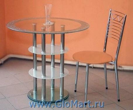Обеденный стол с круглой стеклянной